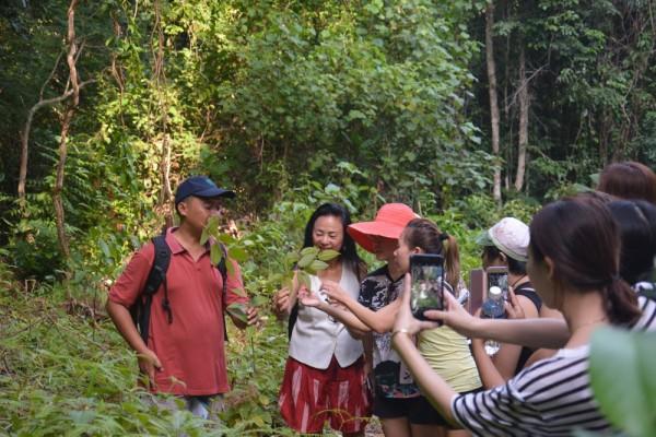 18. Buk Claire Group Ranger Trail